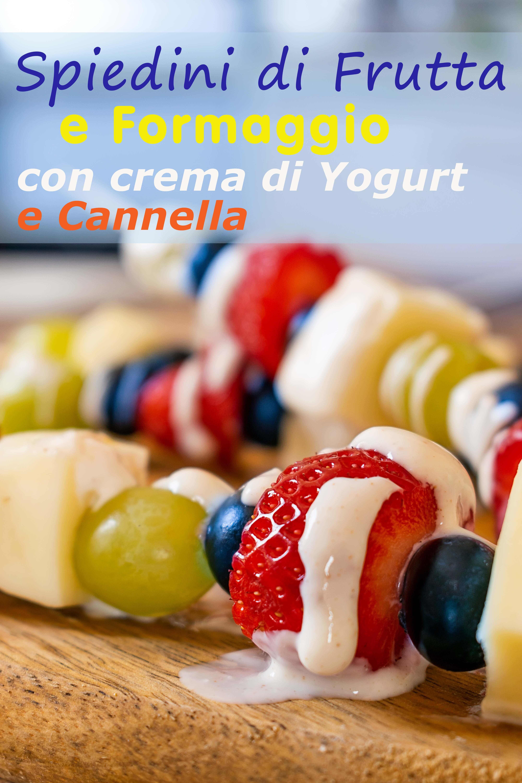 Spiedini di frutta e formaggio con crema di yogurt e cannella immagine