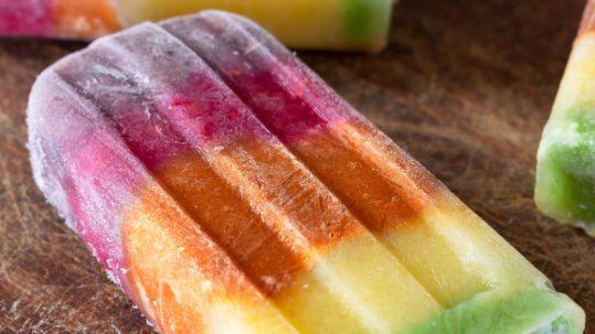 Gelati arcobaleno allo yogurt immagine